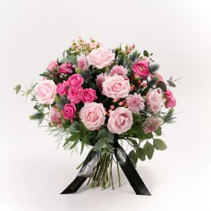 pink roses flower bouquet