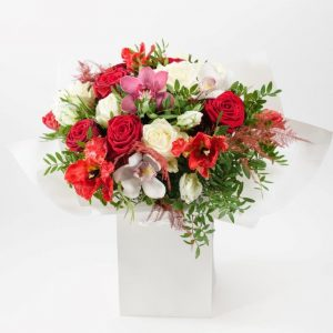 Flower Delivery Barnet and North London - Kisses xoxo Flowers Bouquet by Your Flower Story London (33)