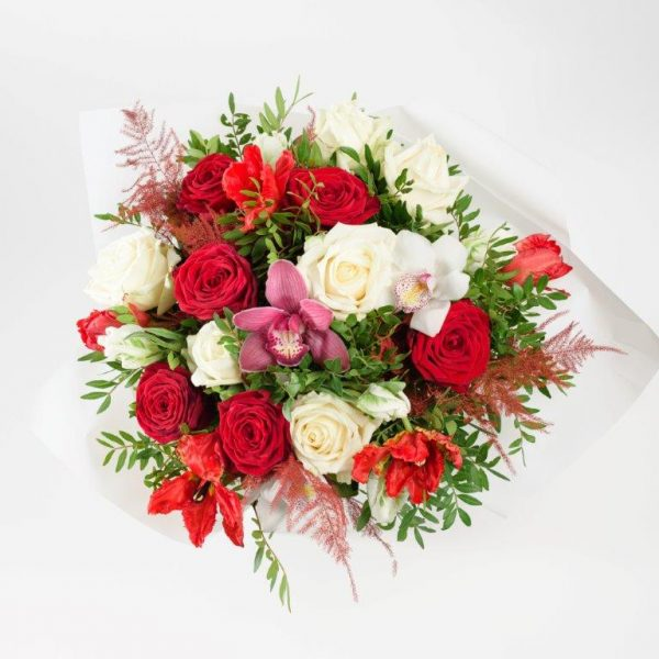 Flower Delivery Barnet and North London - Kisses xoxo Flowers Bouquet by Your Flower Story London (34)