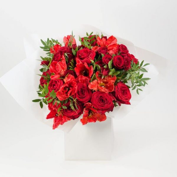Flower Delivery Barnet and North London - Red Tulips & Roses Flowers Bouquet by YFS (75)