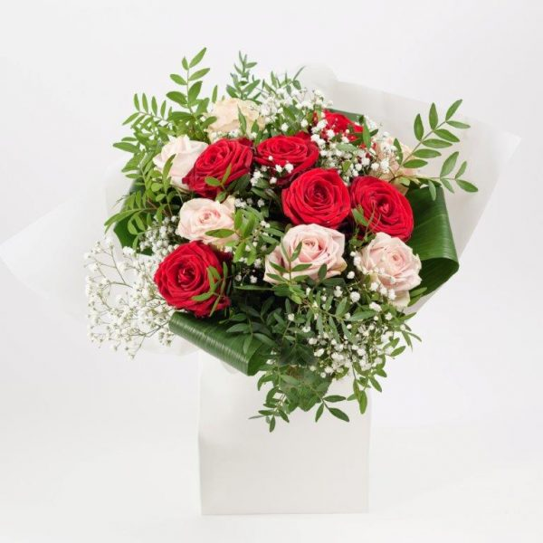 Flower Delivery Barnet and North London - Red and Pink Doze with Gypso Flowers (82)