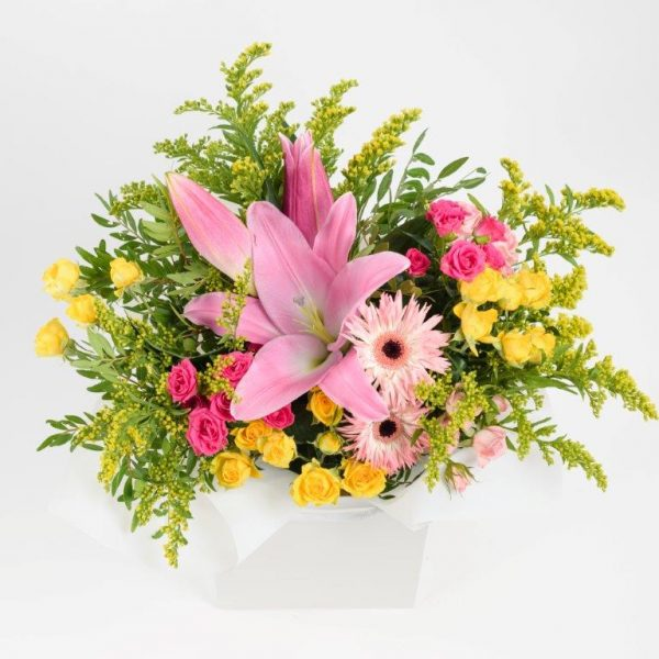 Hello Lovely Flowers Bouquet by Your Flower Story London - Flower Delivery Barnet and North London (172)