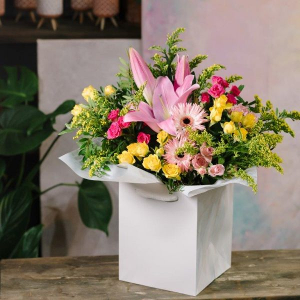 Hello Lovely Flowers Bouquet by Your Flower Story London - Flower Delivery Barnet and North London (175)